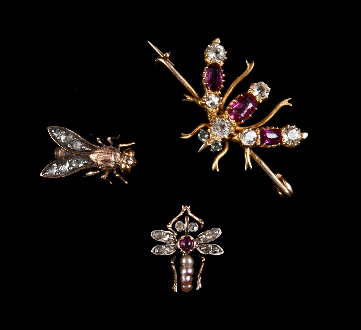 Szpilki krawatowe i broszka, pocz. XX w. Kolekcje A. Leja i Salonu Antyków Kolekcjoner Nowy Sącz1