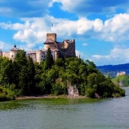 On the foaming waters of the Dunajec River – the Pieniny Castles